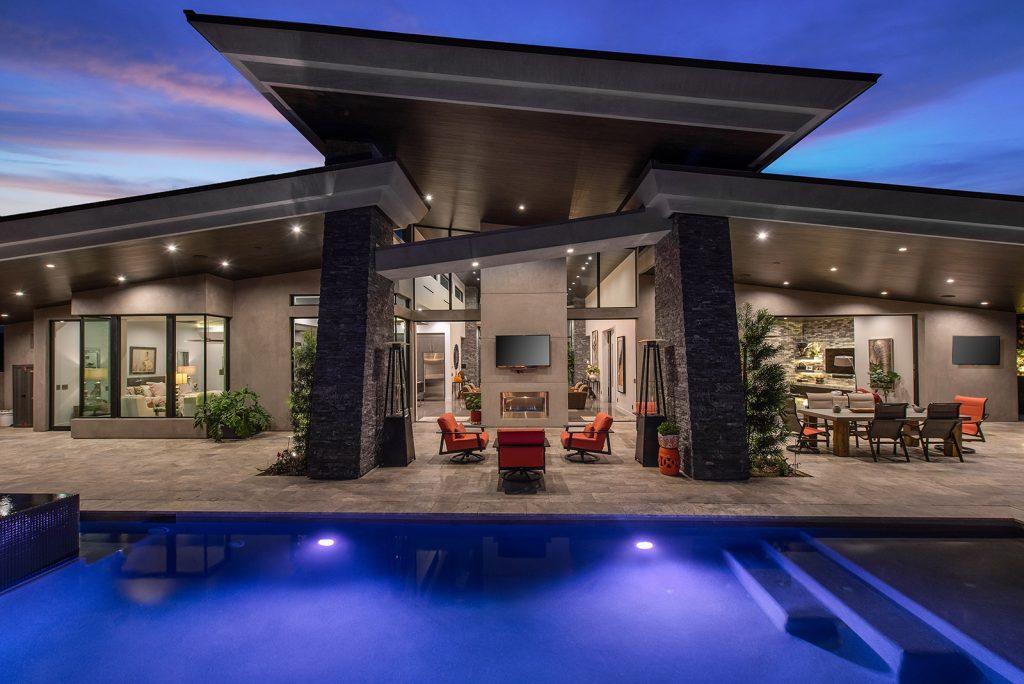 luxury home las vegas backyard pool